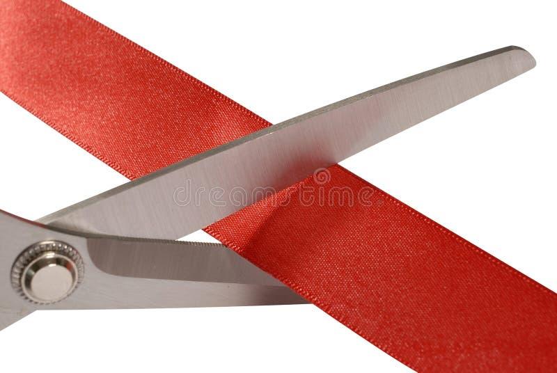 Nożyce ciie czerwonego faborek lub taśmy, zamykają up obraz stock