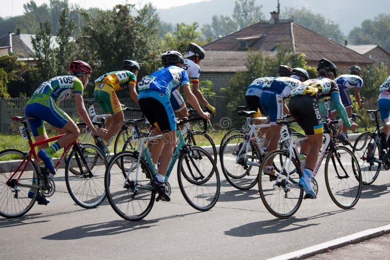 Download No ó Estágio Da Ciclagem Internacional Foto de Stock Editorial - Imagem de cyclist, concorrente: 26507058