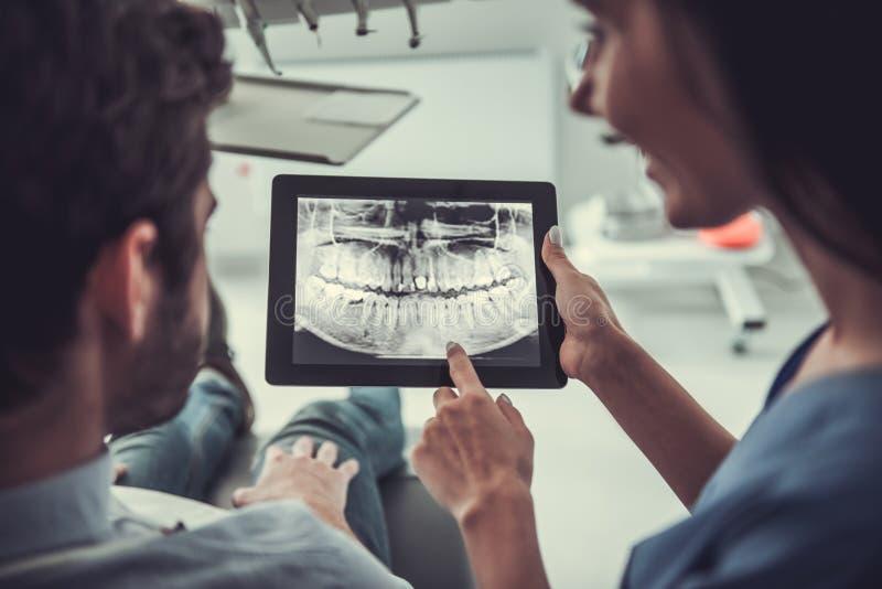 No dentista fotografia de stock royalty free