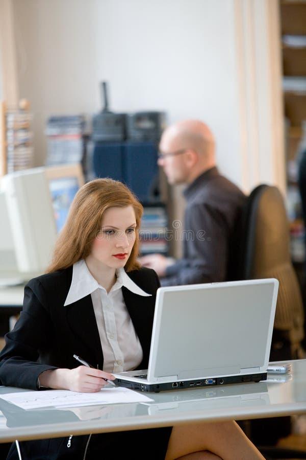 No escritório imagem de stock royalty free