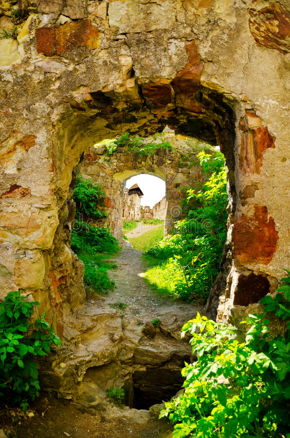 As ruínas de um Pnivsky abandonado fortificam em Ucrânia imagem de stock