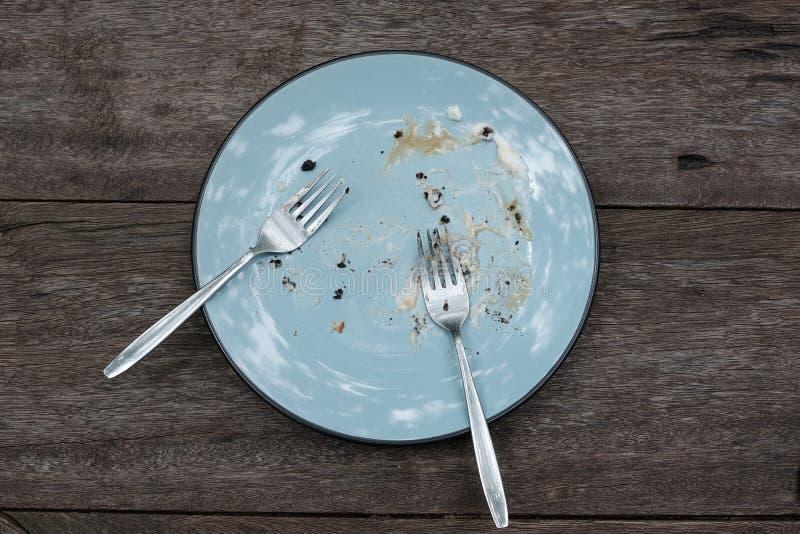 No może kończyć jedzenie błękitny talerz obrazy stock