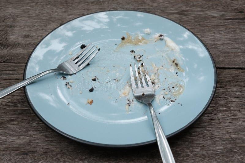 No może kończyć jedzenie błękitny talerz obraz royalty free