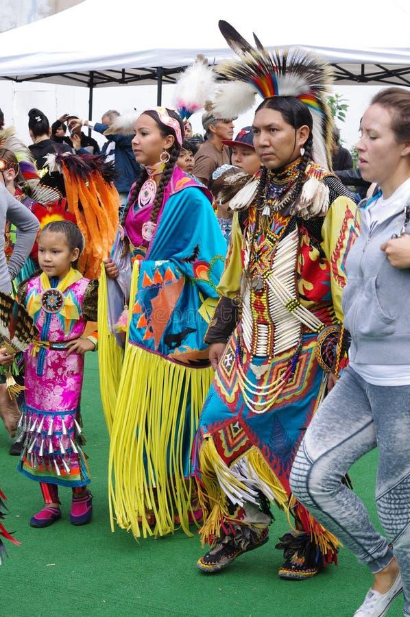 No! no! tancerze równiien plemiona Kanada fotografia royalty free