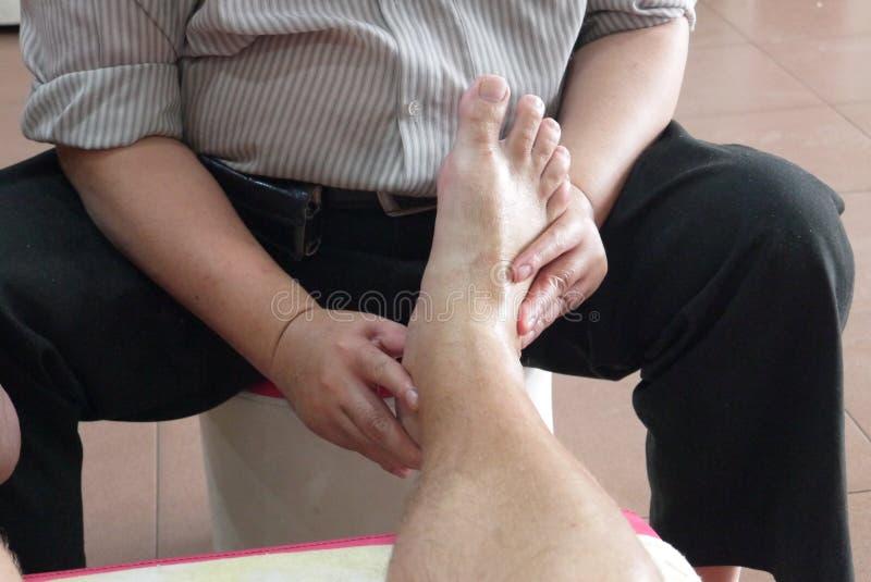 No salão de beleza da massagem foto de stock royalty free