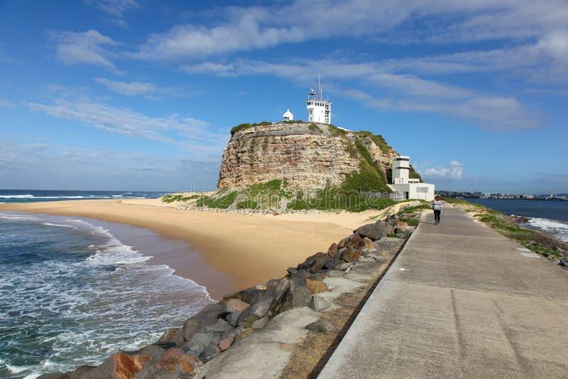 Nobbys fyr Newcastle Australien arkivbilder