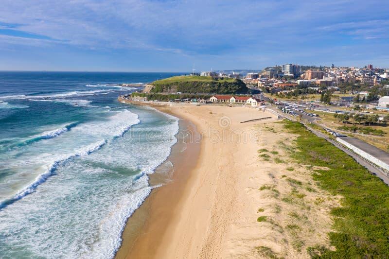Nobbys Strand - Newcastle Australien lizenzfreie stockfotografie