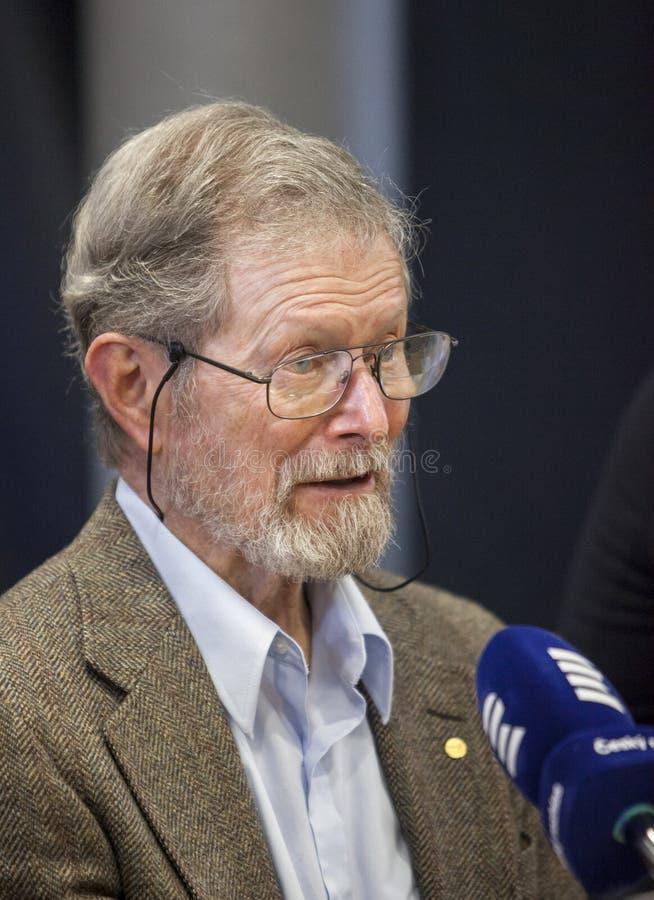 Nobel-laureaat Professor Dr. George E. Smith stock foto