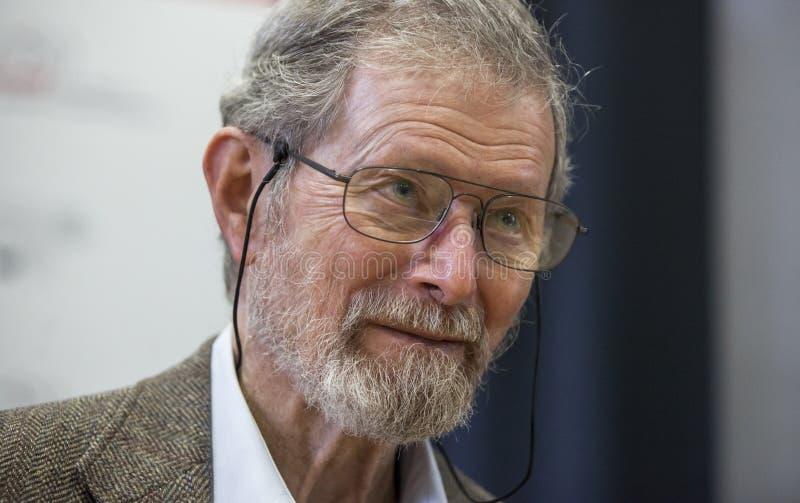 Nobel-laureaat Professor Dr. George E. Smith stock fotografie