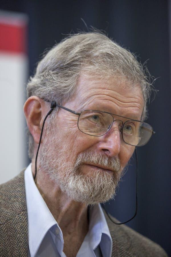 Nobel-laureaat Professor Dr. George E. Smith stock foto's