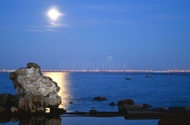 Noc brzeg zatoka fotografia stock