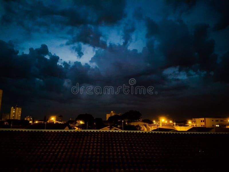 Noc chmurny strzał zdjęcia royalty free