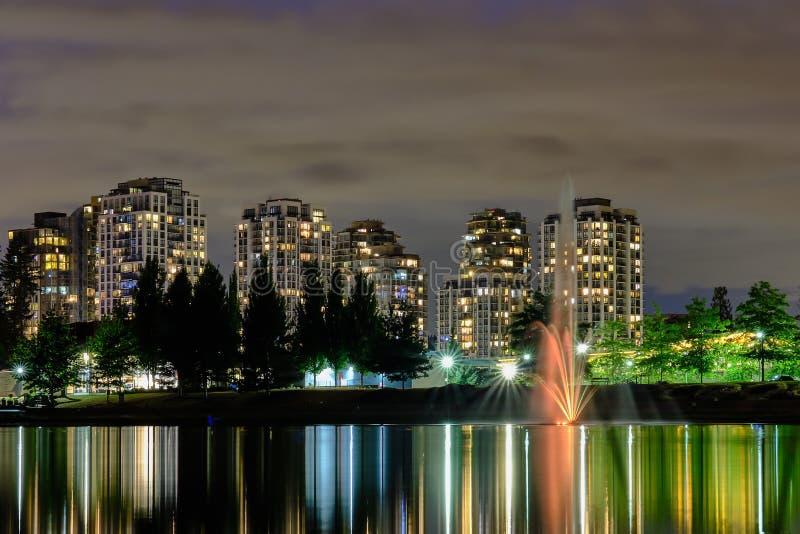 Noc głąbika miasta widok, Coquitlam, Wielki Vancouver teren, Kanada zdjęcia royalty free