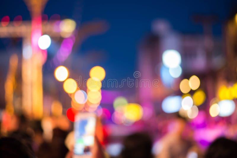 Noc krajobraz z częściami budynki, światło samochody, miasto, metropo fotografia royalty free