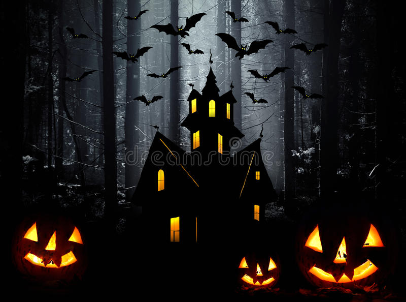 Noc. Księżyc kasztel i nietoperze w Halloween, zdjęcie royalty free