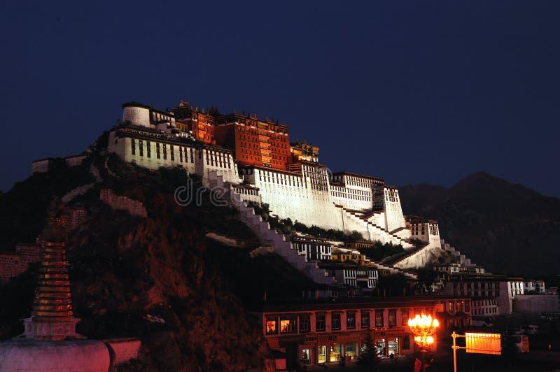 noc pałac potala Tibet zdjęcie stock