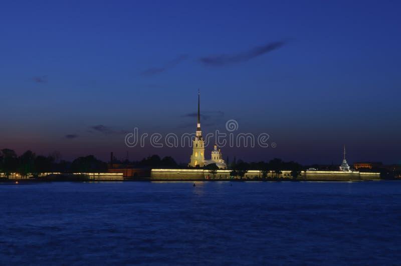noc Petersburg Russia święty obrazy stock