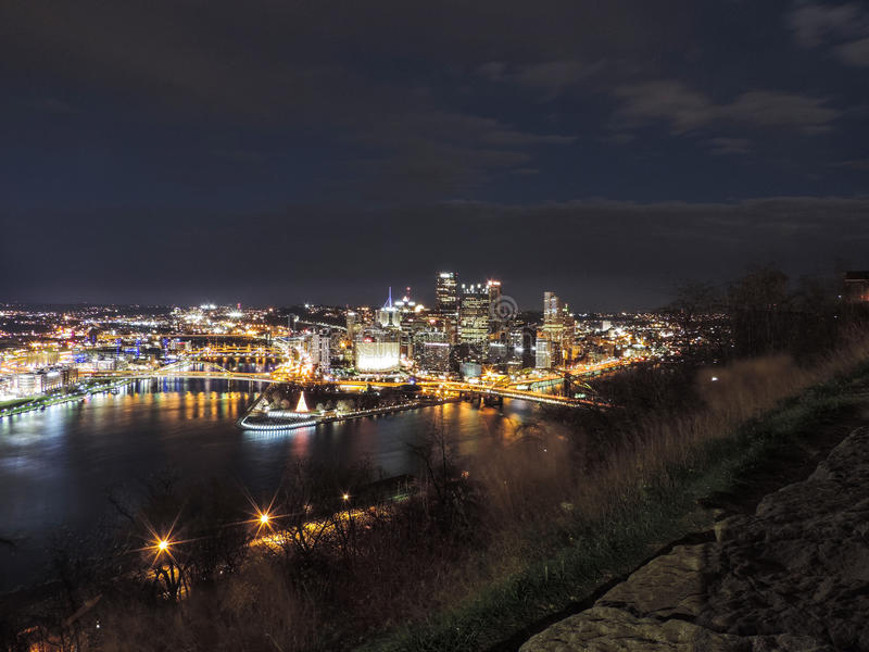noc Pittsburgh linia horyzontu obraz stock