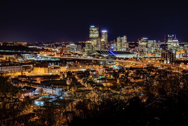 noc Pittsburgh linia horyzontu obrazy stock
