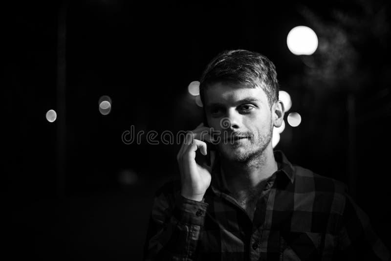 Noc portret modnisia mężczyzna zdjęcia stock