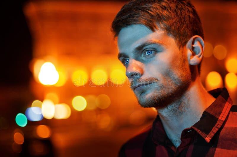 Noc portret modnisia mężczyzna zdjęcie royalty free