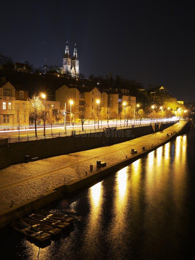 Download Noc Prague obraz stock. Obraz złożonej z bulwar, światła - 57660245