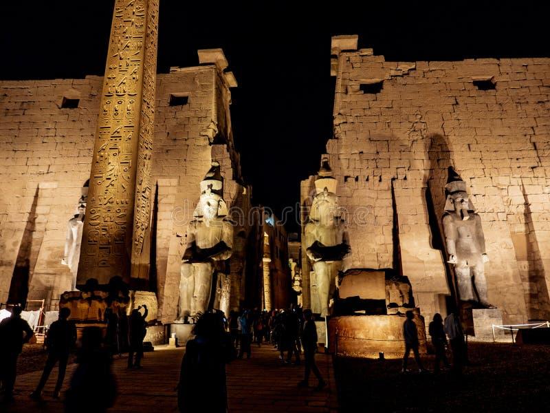 Noc przy świątynią Luxor, Thebes, Egipt zdjęcia stock