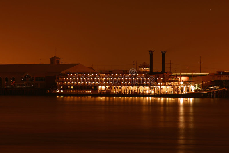 noc riverboat zdjęcie stock