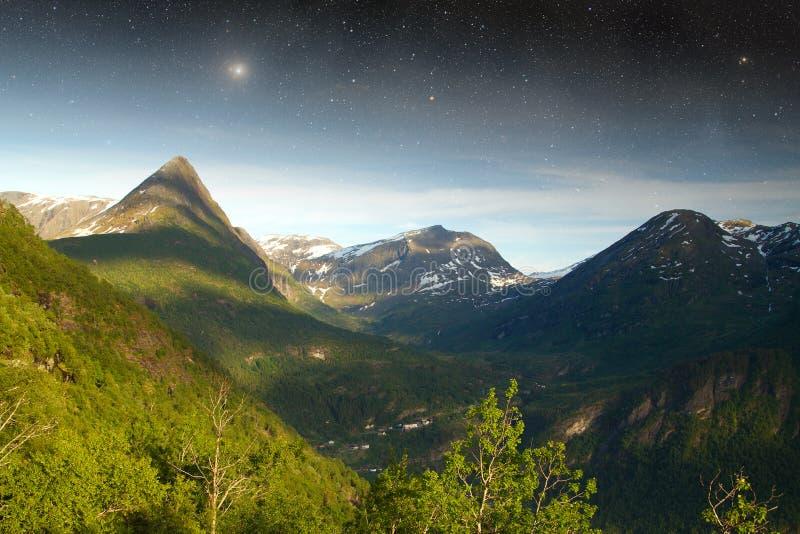 Noc w górach fotografia royalty free