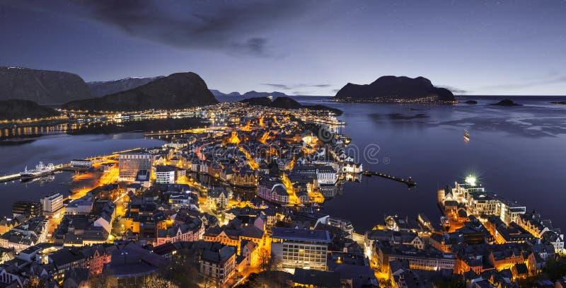 Noc widok Alesund, Norwegia obrazy royalty free