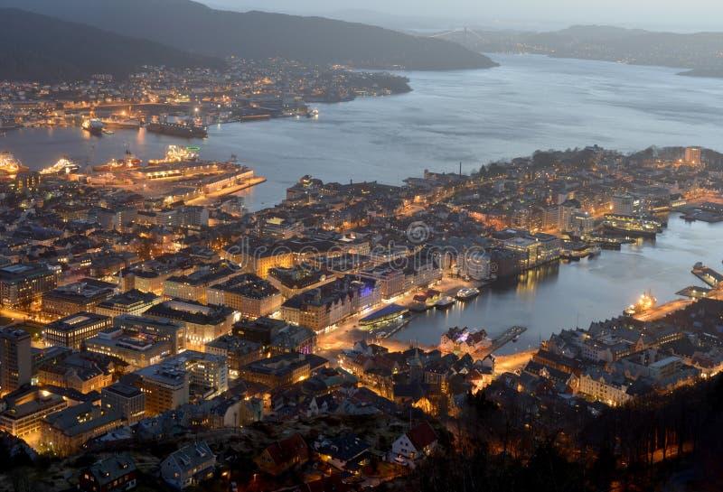 Noc widok Bergen fotografia stock