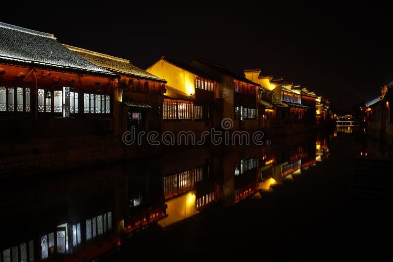 Noc widok Chiński antyczny miasteczko obrazy stock