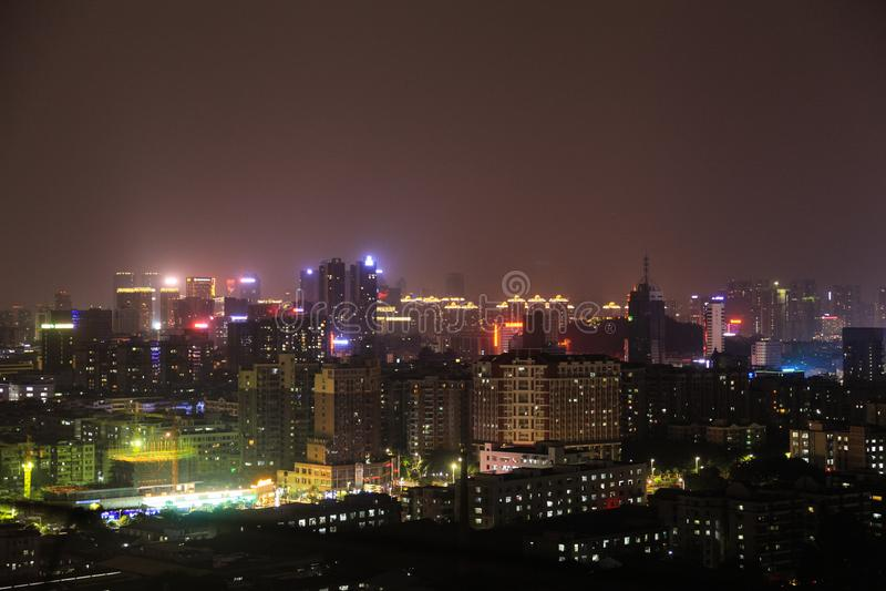 Noc widok dach dom w Guangdong, Chiny zdjęcie stock