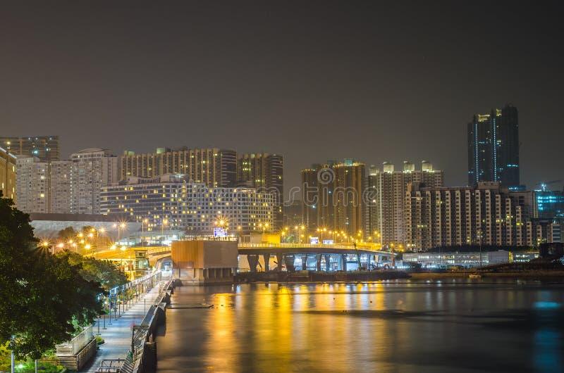 Noc widok handlowy budynek, Hong Kong obraz royalty free