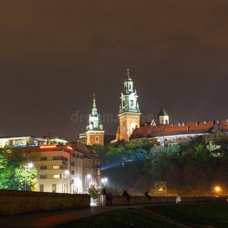 Noc widok Królewski Wawel kasztel, Krakow zdjęcia royalty free