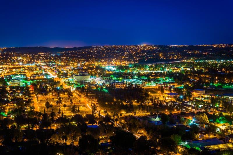 Noc widok miasto brzeg rzeki, od góry Rubidoux parka obrazy royalty free