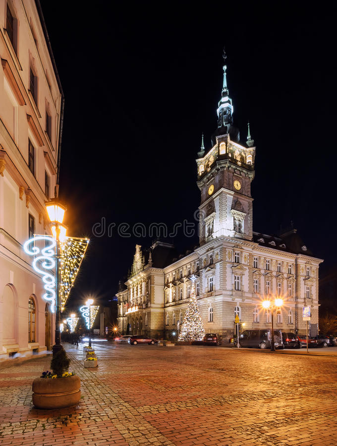 Noc widok na urzędzie miasta w bielsku fotografia royalty free