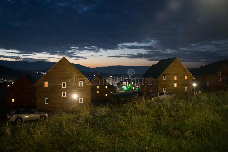 Noc widok nad Małą Denną cieśniną Jeziorny Baikal, Syberia zdjęcie stock