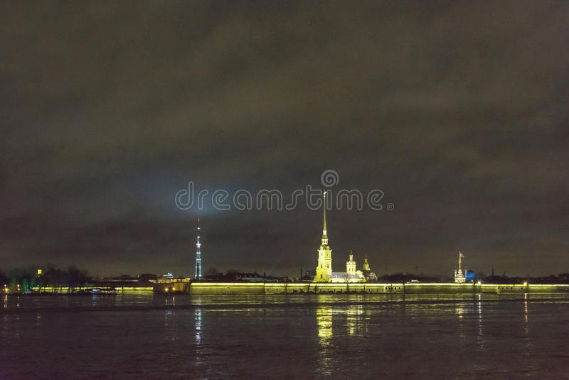 Noc widok Peter i Paul forteca, święty Petersburg, Rosja zdjęcia stock