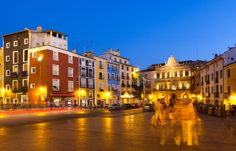 Noc widok placu Mayor w Cuenca zdjęcie royalty free