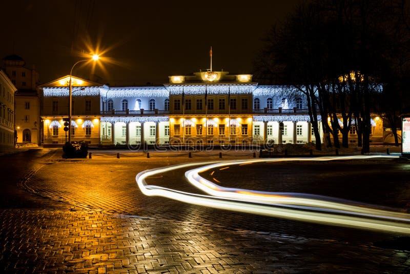 Noc widok Prezydencki pałac w Vilnius, Lithuania obraz stock