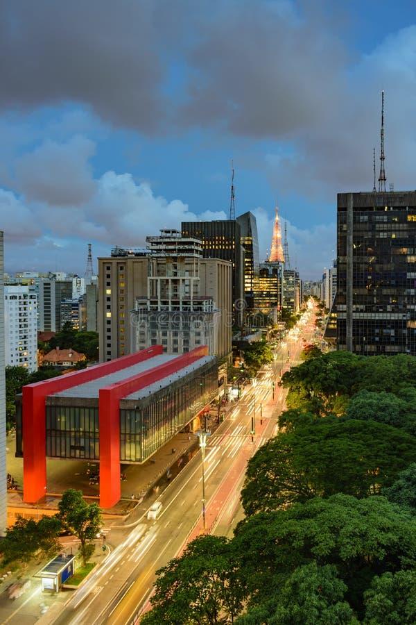 Noc widok sławna Paulista aleja zdjęcie stock