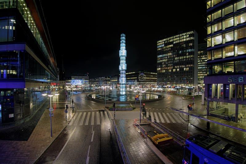 Noc widok Sergels Torg w Sztokholm, Szwecja fotografia stock