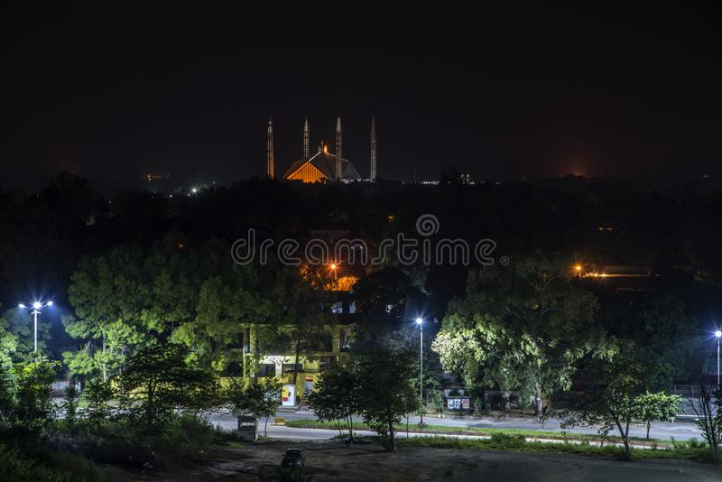 Noc widok Shah Faisal meczet obrazy royalty free