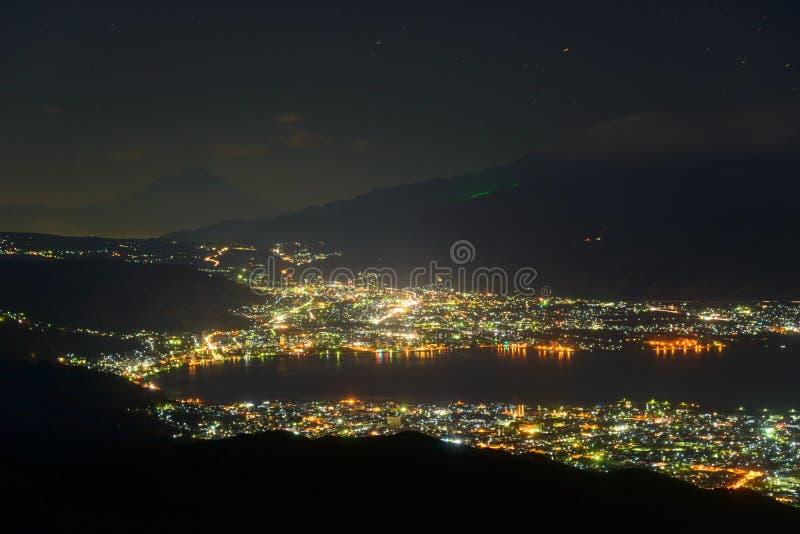 Noc widok Suwa miasto i Mt fuji fotografia royalty free