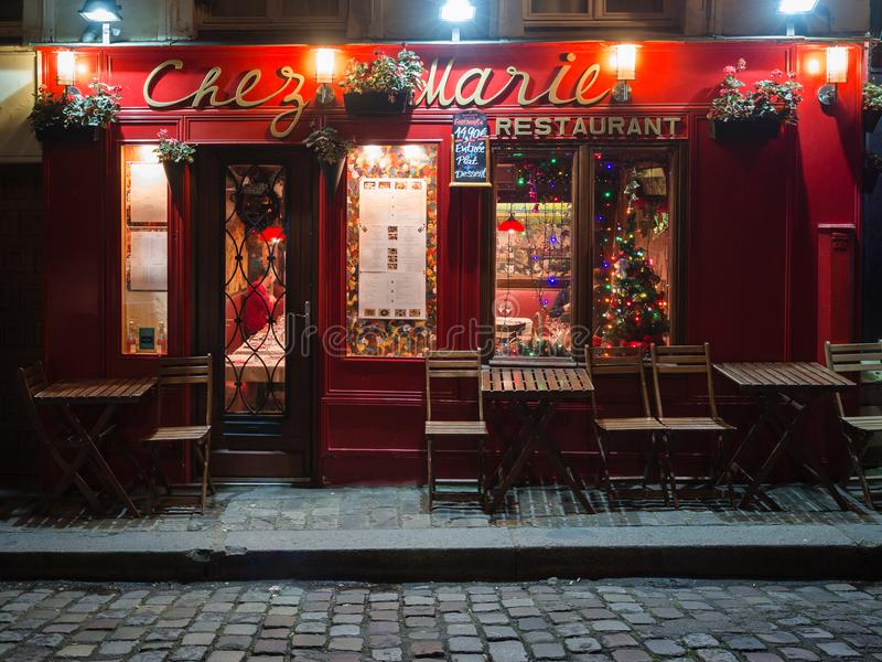 Noc widok typowa restauracja w artysta ćwiartce Mo obraz stock