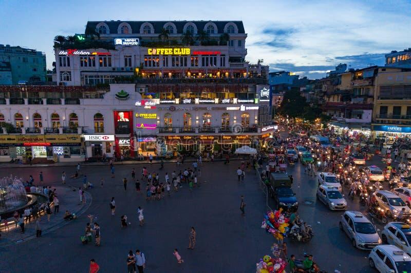 Noc widoku panorama Hanoi centrum miasta kwadrat fotografia royalty free