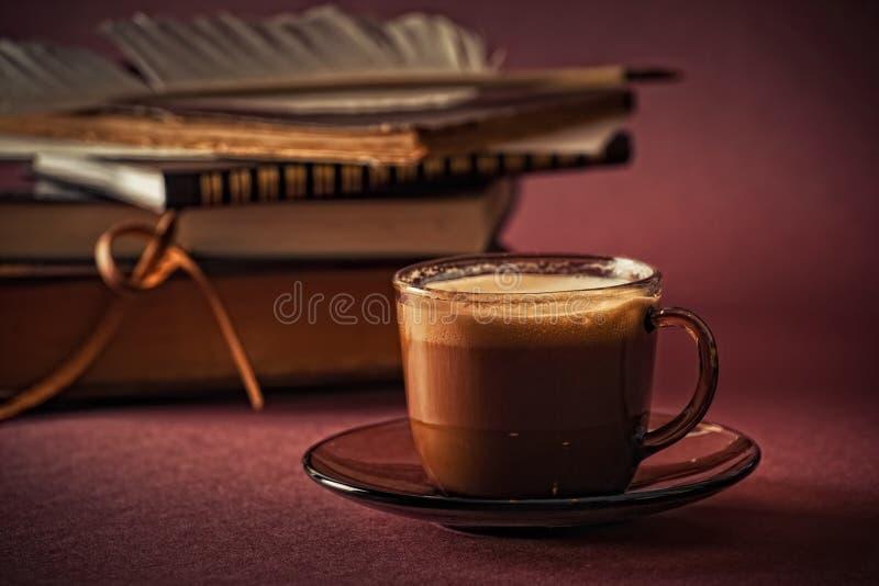 Noch Leben mit Tasse Kaffee lizenzfreie stockfotos