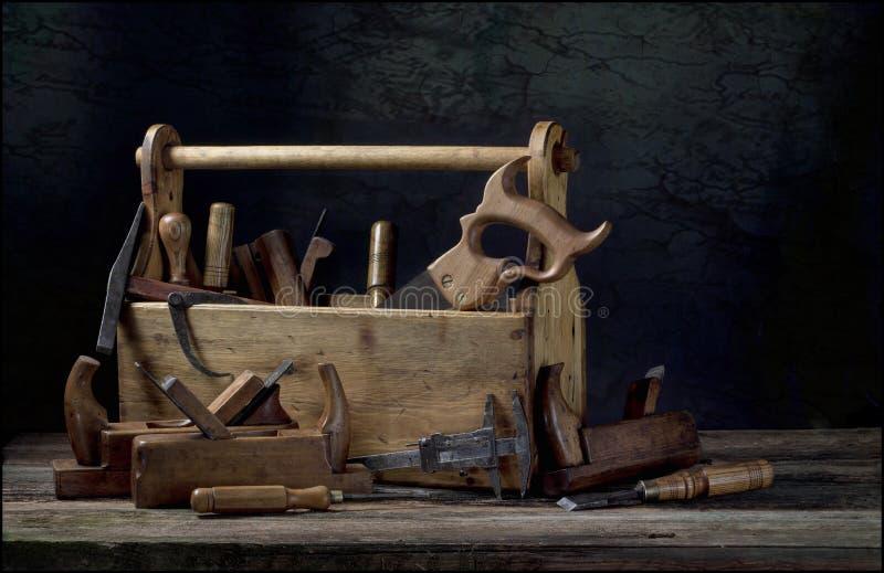 Noch lebens- alter hölzerner Werkzeugkasten stockbild