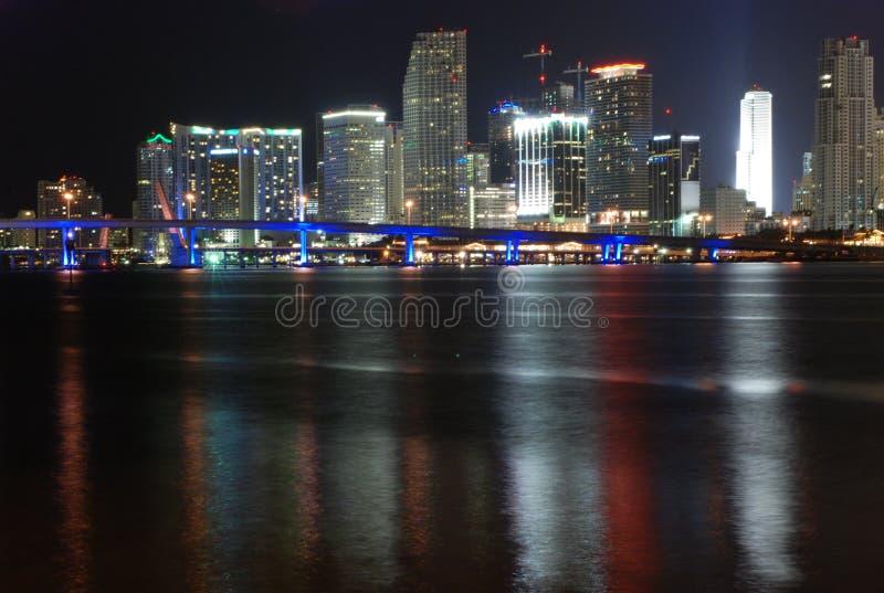Noche céntrica de Miami fotografía de archivo libre de regalías